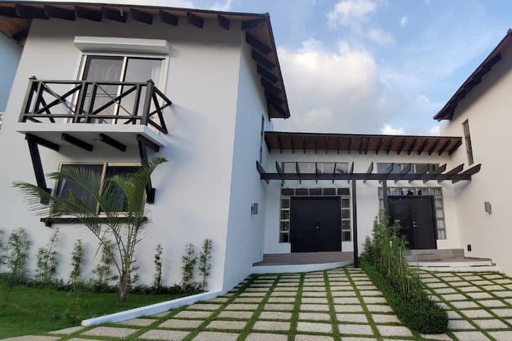 Townhouse Coco - Villa Moderna - Santo Domingo