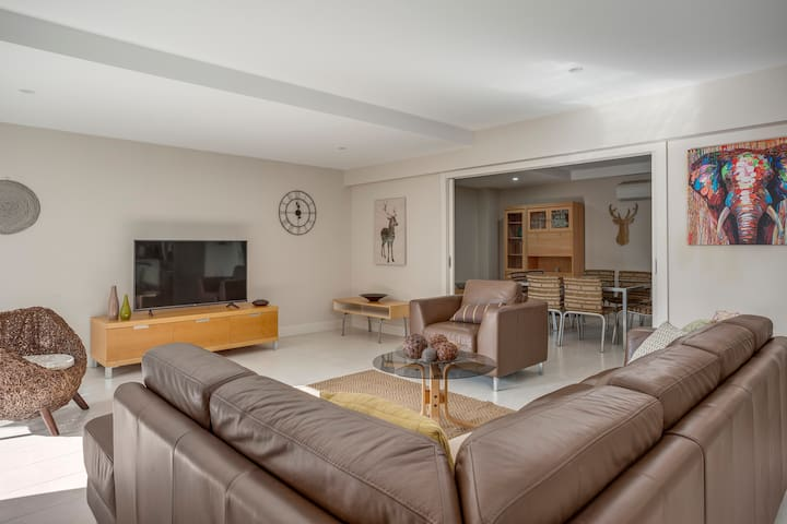 SALT 2 Sorrento Village private apartment