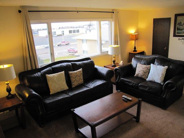 Sunnyside Furnished Apartment #9