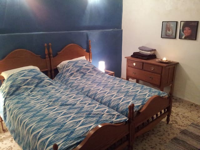 Twin room near Andalucian village - Málaga