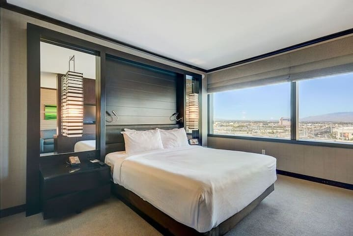 Vdara Suite - 27th Floor