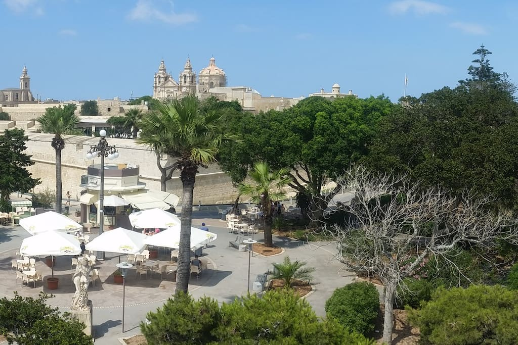 Howard Gardens forms a buffer between Rabat and the silent city of Mdina, and offers  plenty of sightseeing and relaxation spots.