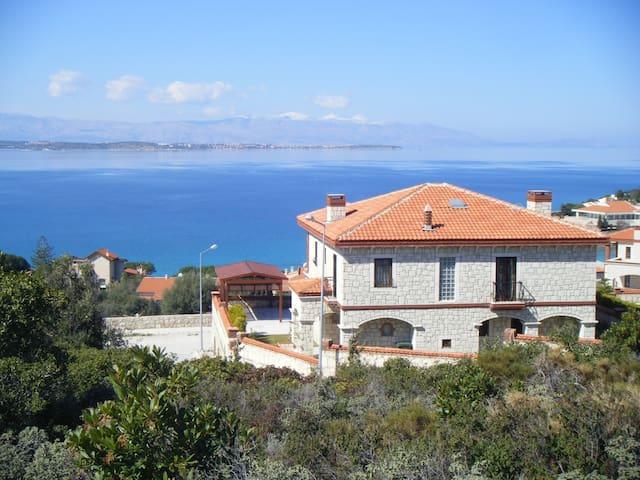 Venus Bay Villa - Çeşme - Villa