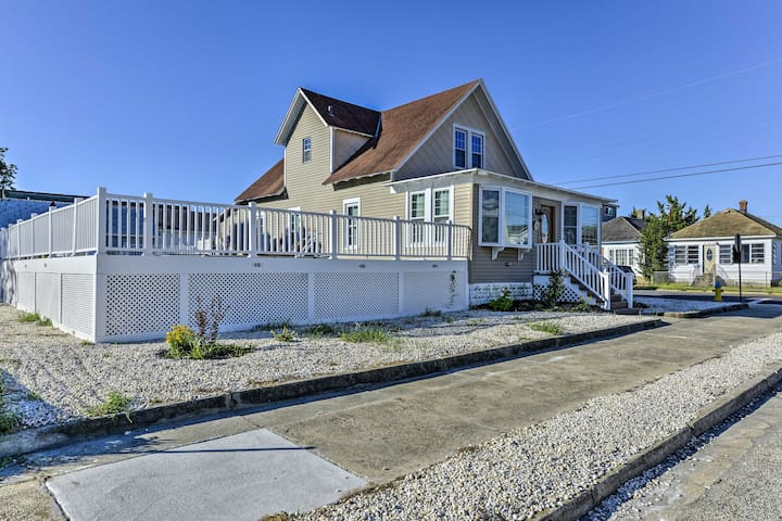 Quaint Wildwood House w/ Pool - Walk to Beach!