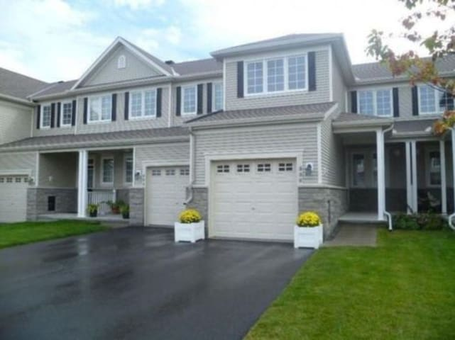 Basement Room in a townhome- Barrhaven