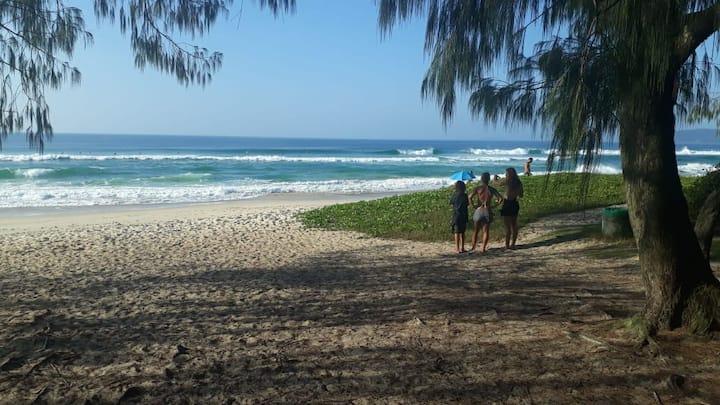 Praia, piscina e churrasco