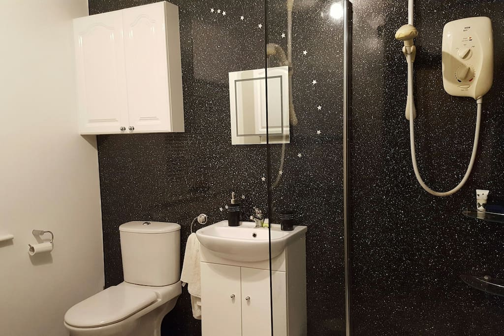Walk in shower suitable for all fitness levels.