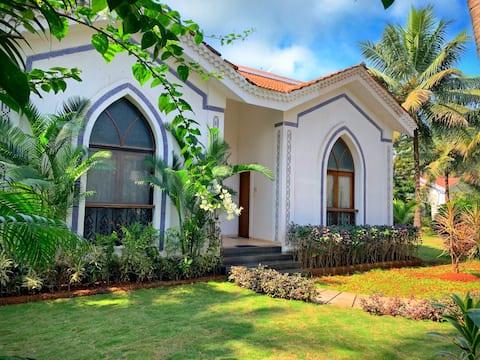 Villa 2BR de lujo con piscina y jardín y vistas al amanecer