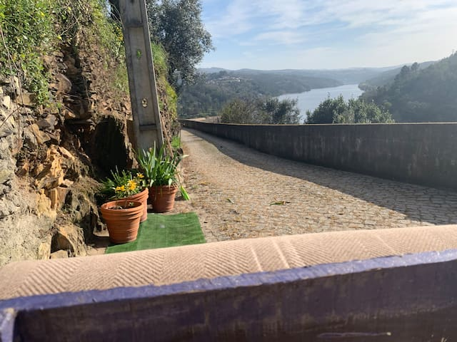 On the most beautiful bend of Douro River