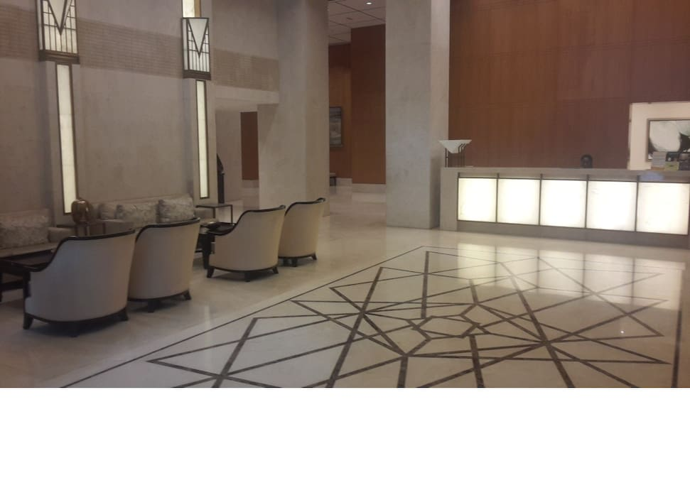 LUXURIOUS LOBBY/RECEPTION