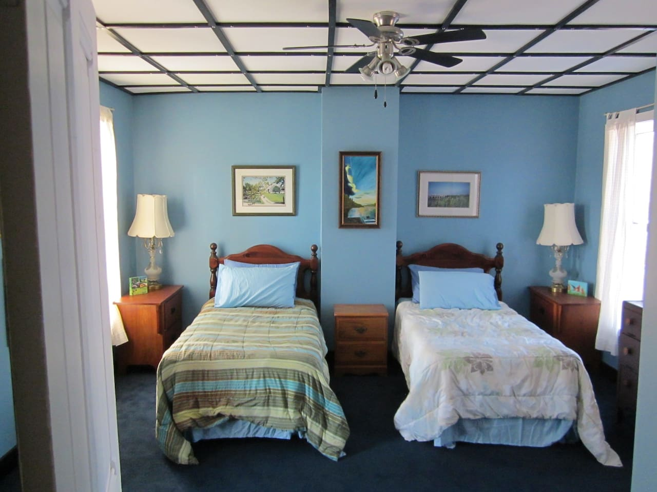 large bedroom with 2 singles