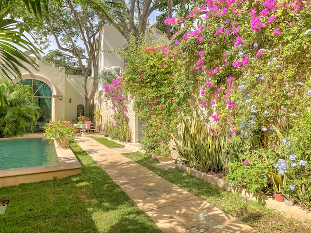 Private Casita in Superb Location