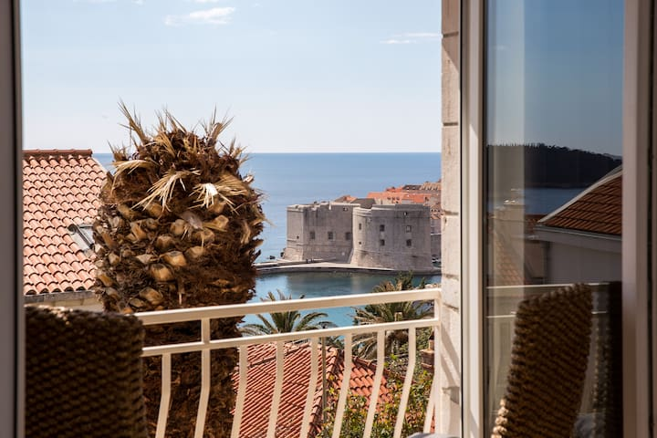 Centrally Located Studio With Sea and City View - Dubrovnik - Apartamento