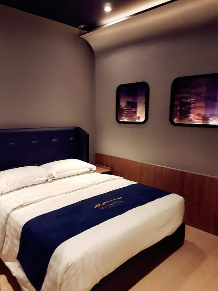 Manhattan Business Hotel TTDI-Deluxe Queen, MRT
