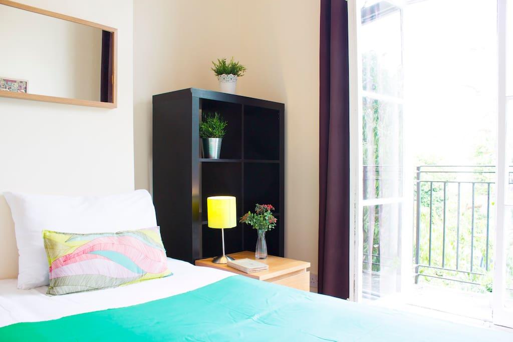1s bedroom