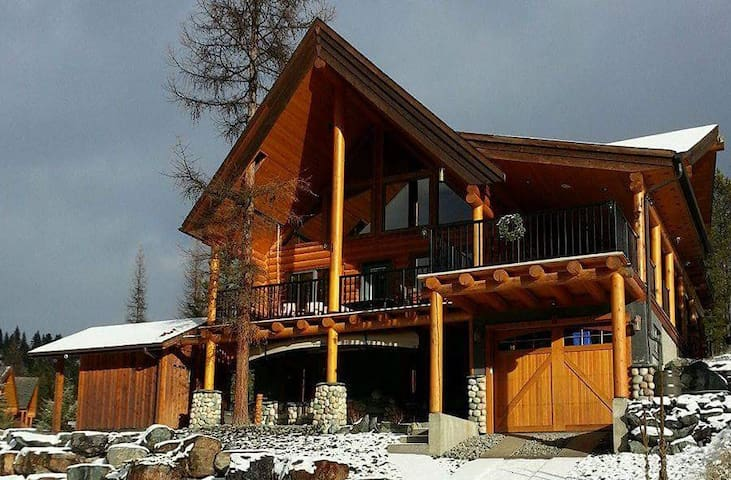 Beautiful Log Home - Kimberley - House