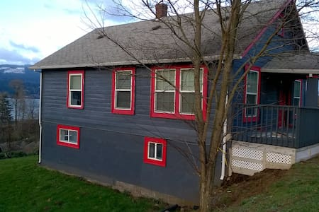 NW Creole House includes Upstairs Bdrm,ktchn,Bath - Cascade Locks - Appartement