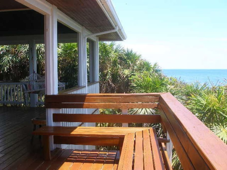 The deck faces the ocean looking to the mainland