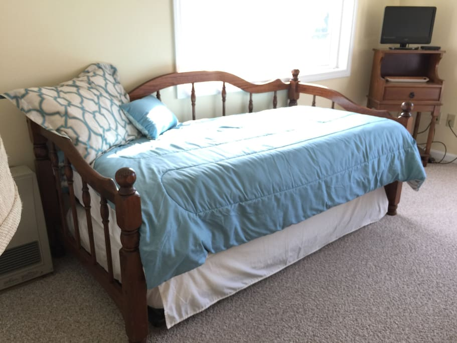Twin Bed (Space A)