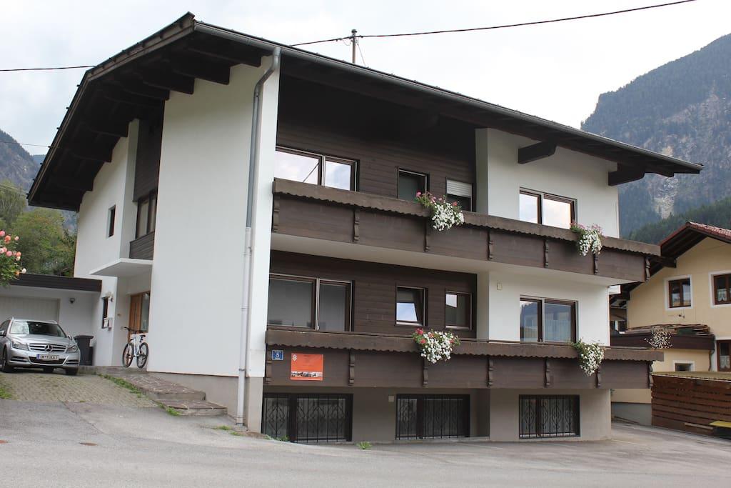 Haus Alpengruss _ Yuka Holidays