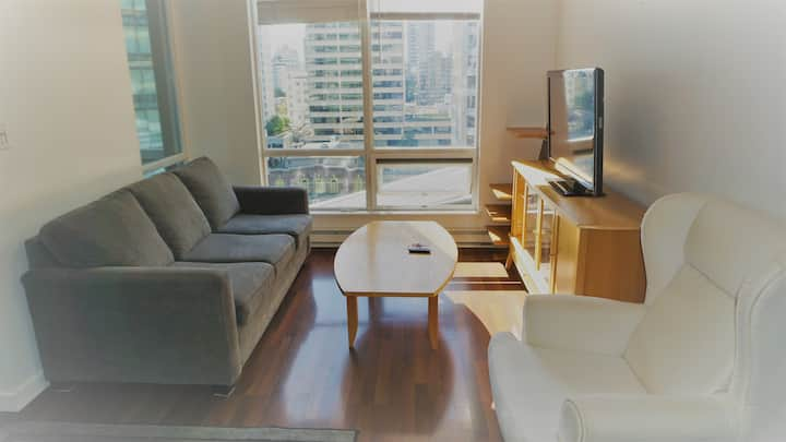 Charming Condo Sleeps4 Heart of Downtown Vancouver