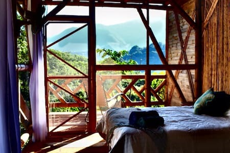 Bamboo Tree House - the Mountain Room