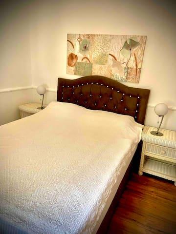 2.oda, 160cm 2 kişilik yatak, klima, kalorifer, çekyat ve elbise dolabı ile rahat ve ferah  Second room has a standard 160cm bed for 2 persons and a wardrobe.