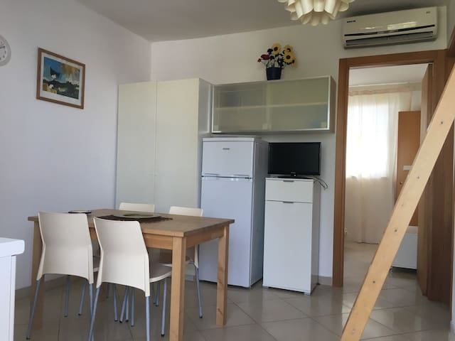 Apartment in Torre dell'Orso 80 m from sand 4/5 places