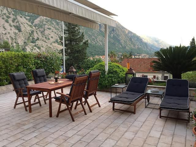 Exclusive Orahovac Villa 30 meters from the sea - Kotor - Villa