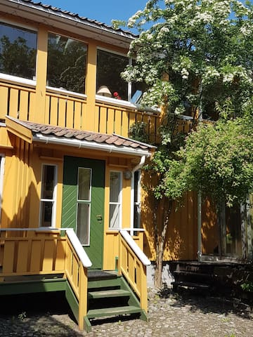 """""""Bombay Quarters"""" in the heart of Grimstad"""