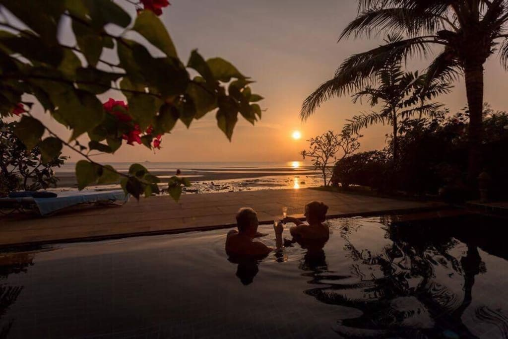 Sundowners Paradise