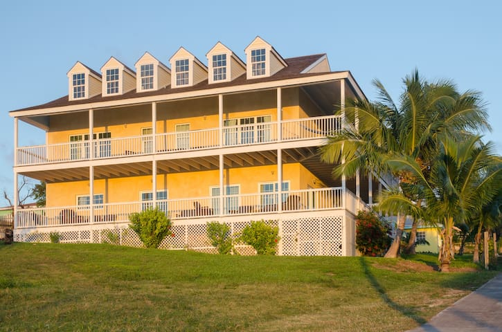 Sea Dream House - Harbour Island - Bed & Breakfast