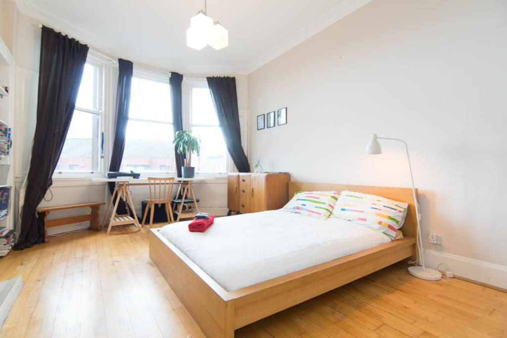 Beautiful 2 bed apartment rose st flats for rent in for Beds glasgow