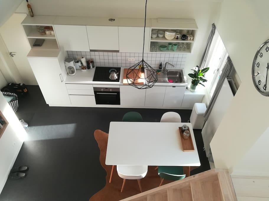 LIVING ROOM (bird's eye view)