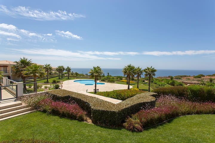Stunning 5* Apartment with uninterrupted Sea Views