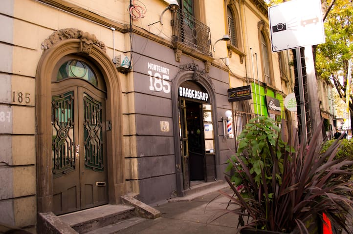 HABITACION CON EXCELENTE UBICACION EN LA ROMA 8