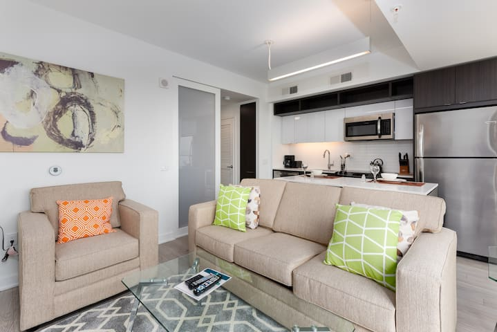 Luxury Jr 1BR Apt | Reston Town Center | by GLS