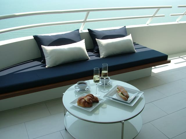 1BR Beachfront Resort Apartment
