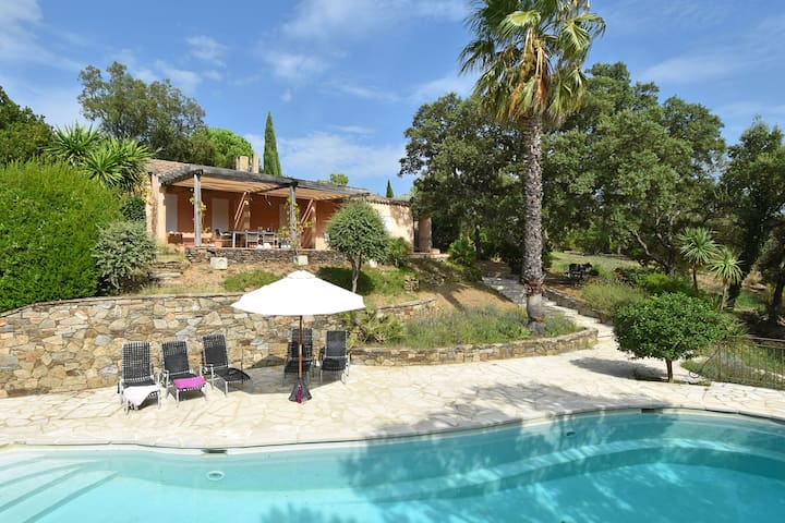 Stylish villa with three suites and private pool near Grimaud and Saint Tropez
