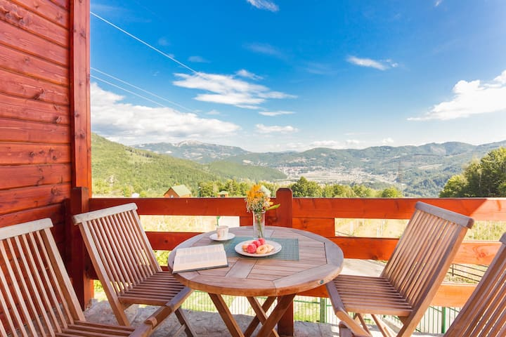Villa Gacka Jelena-Luxury Cottage with Balcony