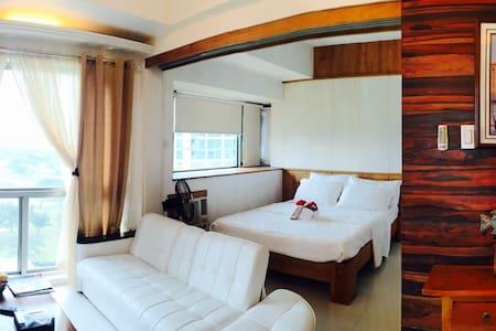 BGC Exec Condo Unit w/ Verdant View - Bonifacio Global City, Taguig City - Wohnung