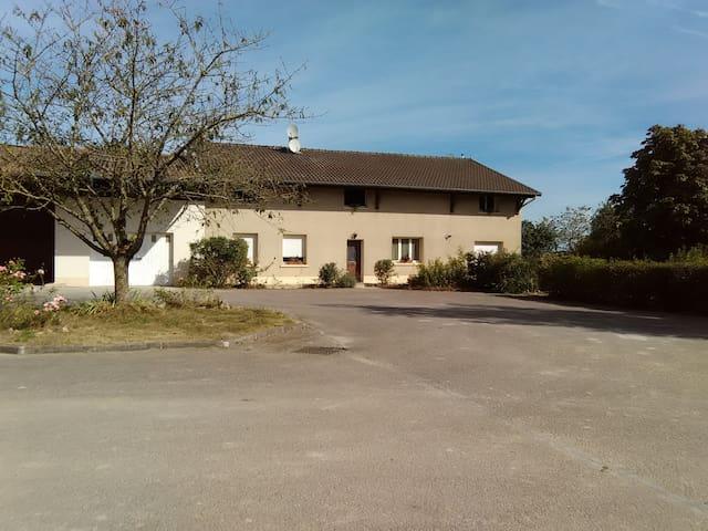 Maison de Campagne - Élise-Daucourt - Huis