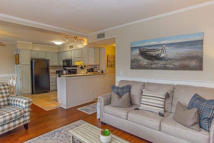 Updated 2 BR, 2 BA Condo~Myrtle Beach Resort 338-A