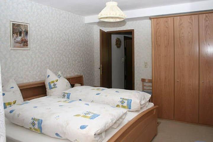 Auf der Gumm, (Hausach), Ferienwohnung, 70qm, 2 Schlafzimmer, max. 4 Personen