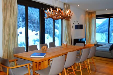 Luxury apartment STUDIO 54+ balcony+300m² spa area - Lakás