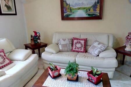 Casa con dos habitaciones muy cómodas y lindas