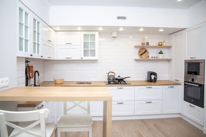 Стильная квартира с кухней гостинной