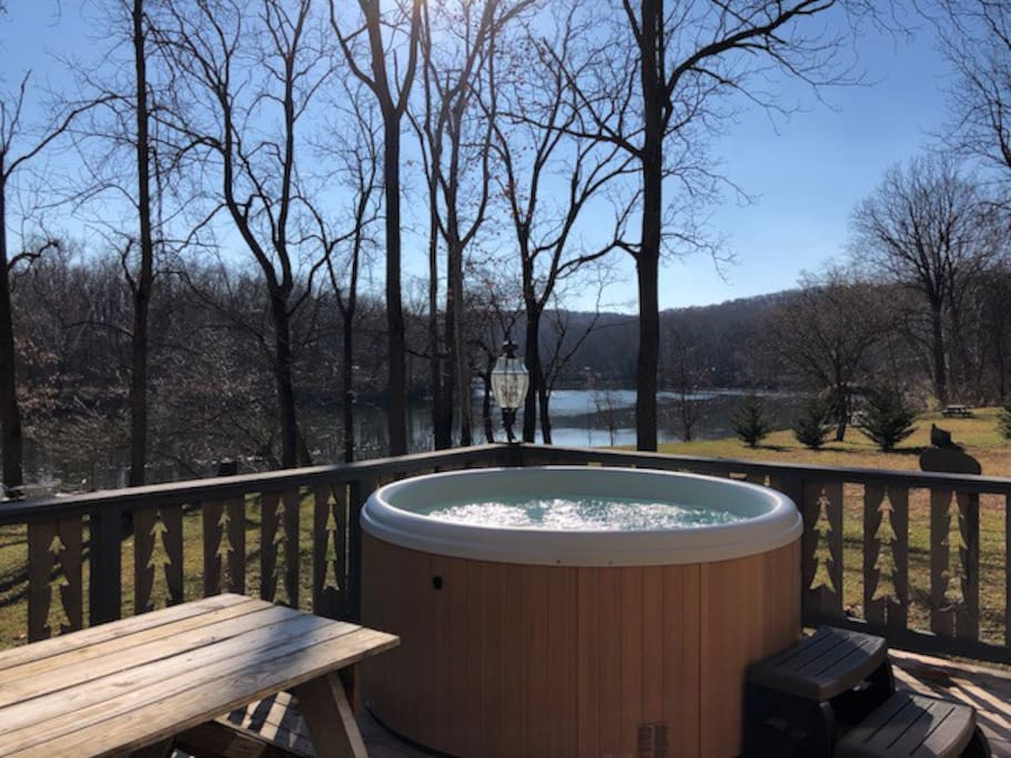 Brand new hot tub for 2018!