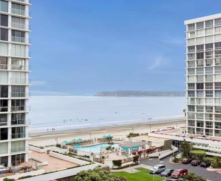 Beachfront, Oceanview Coronado Shores Luxury Condo