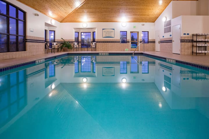 Free Breakfast. Pool & Hot Tub. Gym. Close to Albertville Premium Outlets!